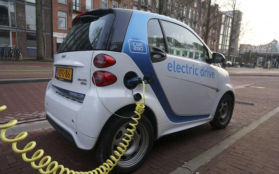 Prohibición de vehículos con emisiones para 2040